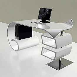 Modern office desk made in Italy, Miagliano